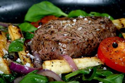 Steak připravený na vodním grilu